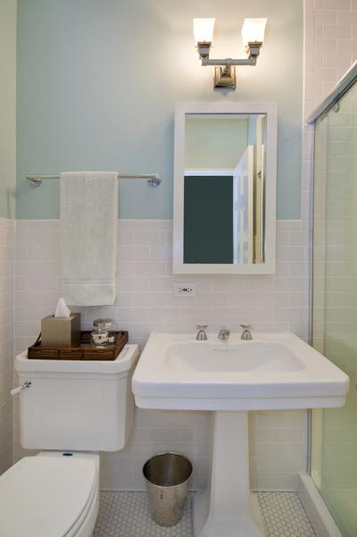 1940s bathroom